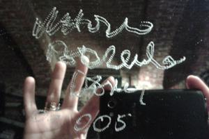 specchio-mani-corpo
