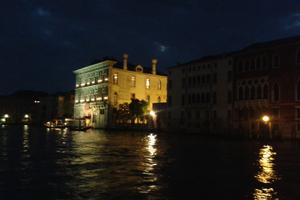 venezia-di-notte-corpo