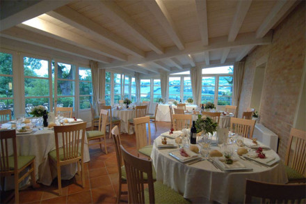 relais_villa_fornari_banqueting_tavola_-web
